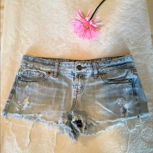 VS PINK SIZE 2 JEAN SHORT